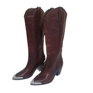 Frye Faye Metal Plate Pull-on Boot Redwood 7.5